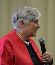Diane Ravitch at Palo Alto High School, 9/30/13 (photo by the author)